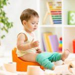 Как научить правильно ребенка сидеть?