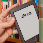 Как скачивать книги на телефон?