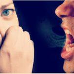 Что делать, если стало неприятно общаться с человеком по причине неприятного запаха изо рта, повышенного слюноотделения или слишком громкого голоса?