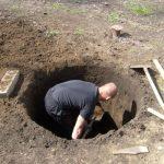 Как правильно сделать выгребную яму?