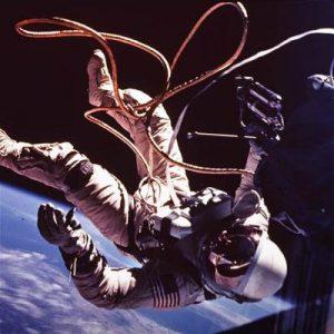 Есть ли в космосе гравитация?