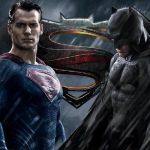 Почему бэтмен стал против супермена?