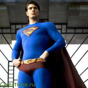 Почему у супермена трусы поверх штанов?