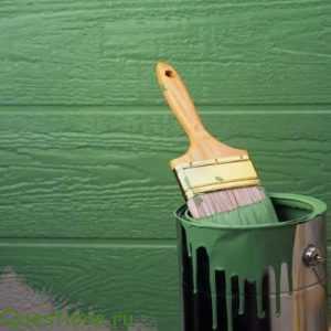 Как выбрать краску для деревянных дверей?