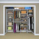 Какие преимущества у встраиваемых шкафов?