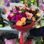 Почему люди покупают букеты цветов?