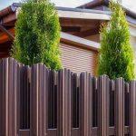 Выбор забора для загородного дома?