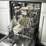Нужно ли покупать посудомоечную машину?